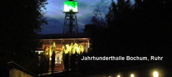 Jahrhunderthalle mit Turm aus dem Westpark heraus bertrachtet