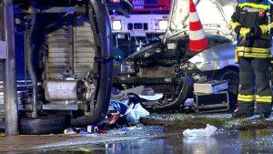 Schwerer Verkehrsunfall am Reschop (Foto: RuhrkanalNEWS)
