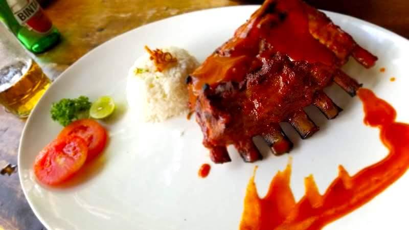 バリ島 ご飯 豚肉 ポーク
