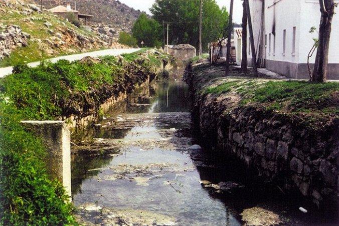 Canal molinos polvora Ruidera años 80