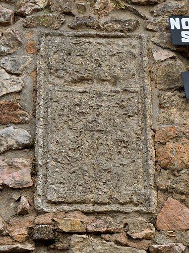 Devoción al rey en el escudo real de Ruidera