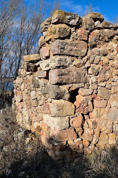 Muros de la casa del Cerro de Ruidera