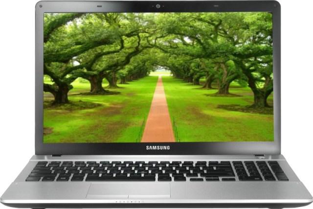 Samsung NP300E5E-A04IN Laptop (2nd Gen PDC/ 2GB/ 500GB/ Win8)(15.6 inch, Sleek Silver, 2.2 kg)