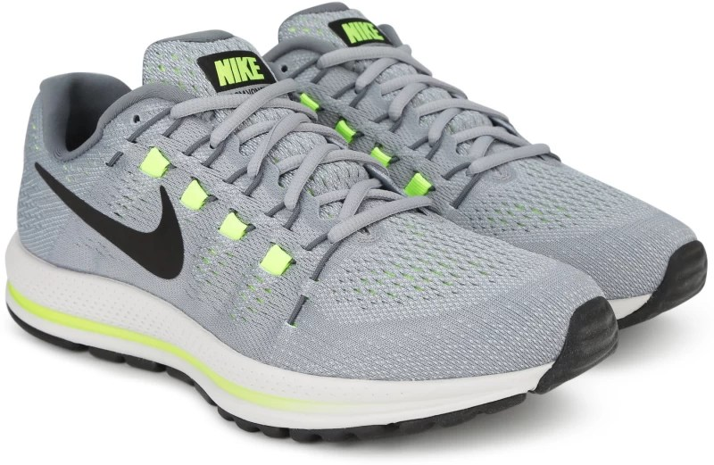 Nike AIR ZOOM VOMERO 12 Running Shoes For Men(Grey)
