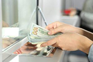 Центробанк планирует повышение нормативов по валютным вкладам