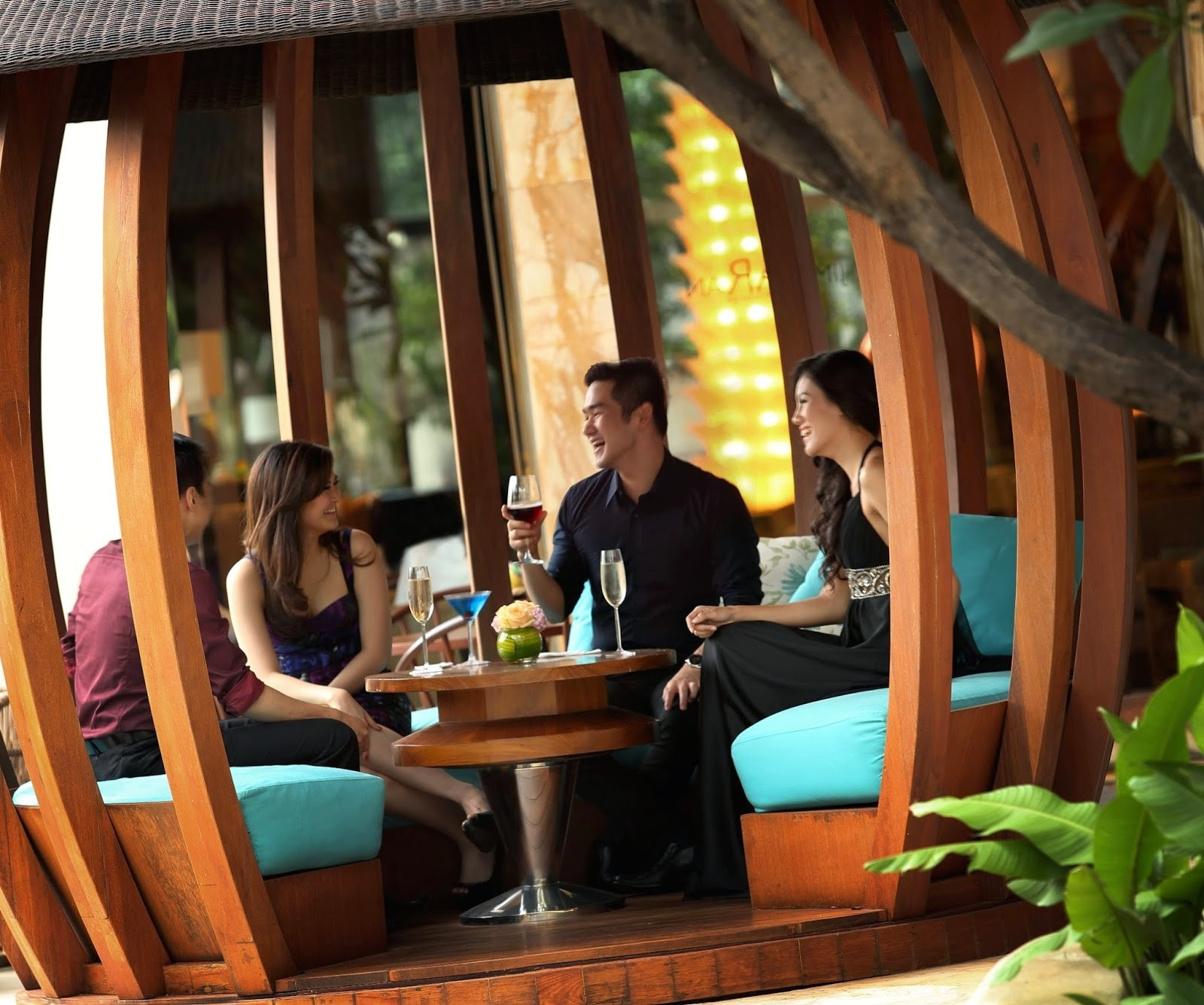 InterContinental Jakarta MidPlaza has brought tropical sophistication to the inner city following the highly anticipated launch of its JimBARan Outdoor