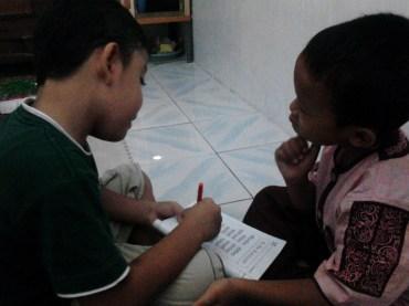Kegiatan Belajar Sholat di Rumah Cerdas Islami (15)