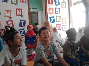 Kegiatan Belajar Sholat di Rumah Cerdas Islami (24)