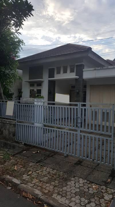 Rumah di Jatiwarna