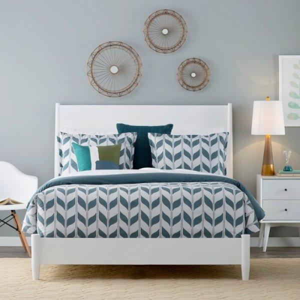 Tempat Tidur Putih Terbaru