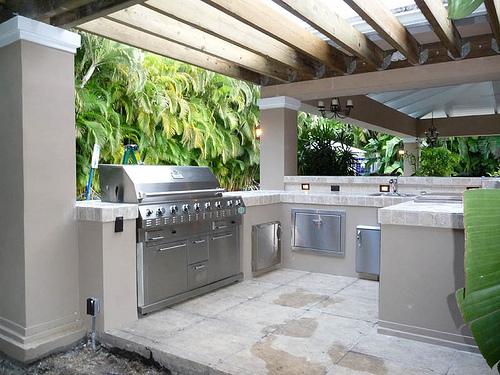 Desain Dapur Minimalis Terbuka Dekat Taman Belakang Rumah 6 - 15 Desain Dapur Minimalis Terbuka Dekat Taman Belakang Rumah