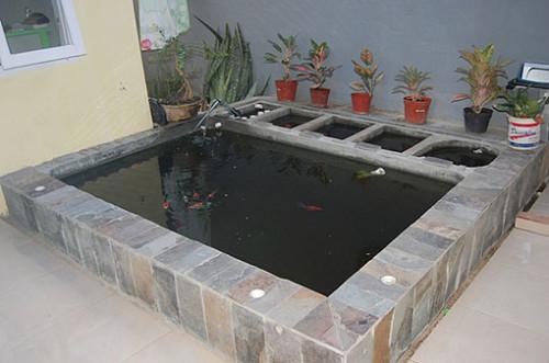 Kolam Ikan Kecil di Teras Depan Rumah 26 - 30 Desain Kolam Ikan Minimalis Kecil di Halaman Rumah