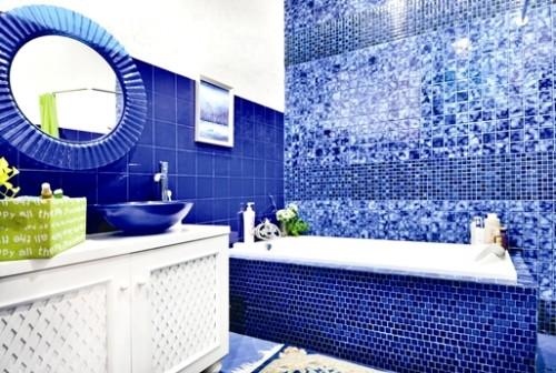 Keramik Kamar Mandi Warna Biru