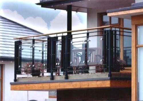 Pagar Balkon Minimalis
