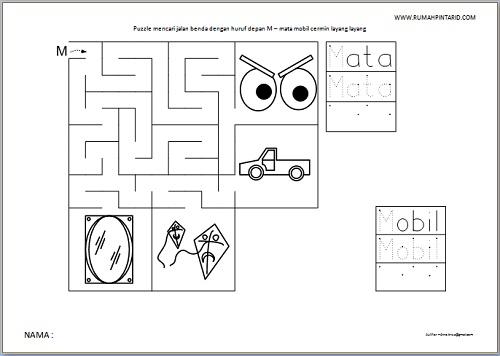 Puzzle Maze huruf depan M untuk anak mata mobil cermin layang layang