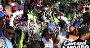 Pochy Familia y la Coco Band – Millonarios (Carnaval Vegano 2018)
