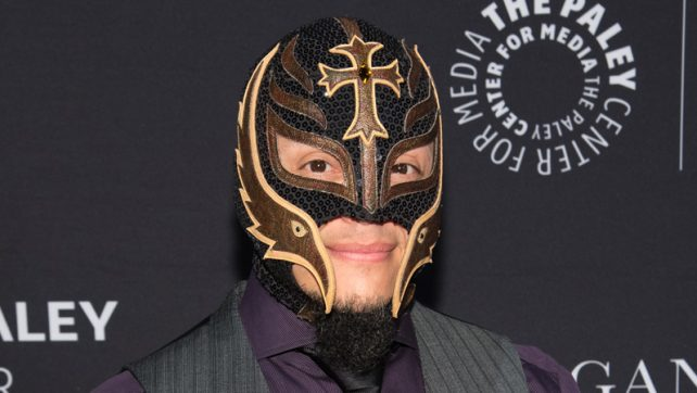 Rey Mysterio Discussing New Three Year Contract With WWE.