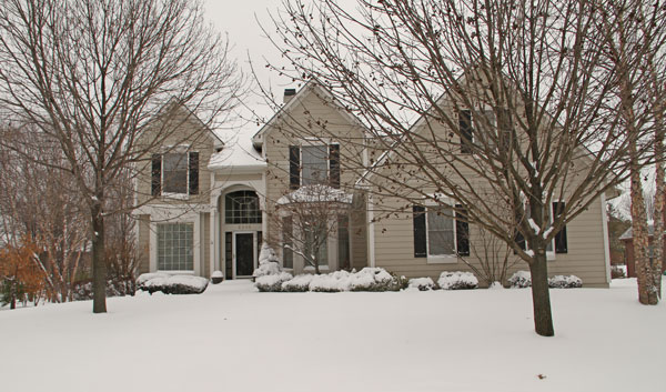 House-in-Snow