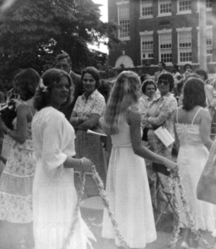 RFH 1978 graduation, replete with daisy chain Photo/Daryl Cooper Ley