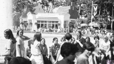 A summer day at Great Adventure with RFHers of the late 1970s/early '80s. Photo/Marc Edelman