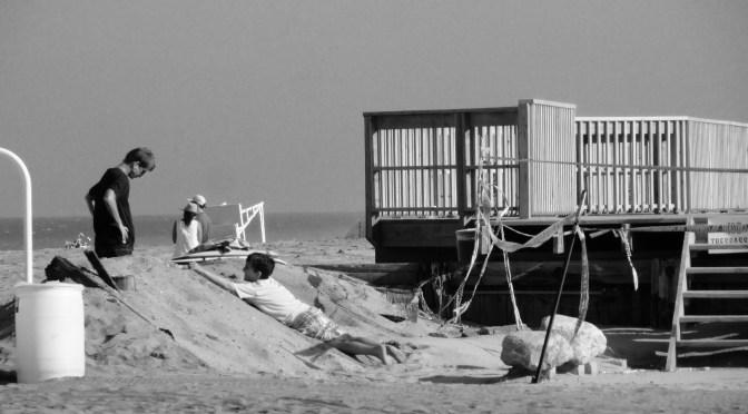Retro Sea Bright Beach Romp