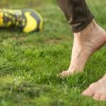 4 tipy, které vás zbaví trápení sčernými nehty