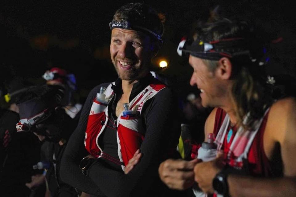 Abandon François D'Haene sur la Maxi Race d'Annecy.