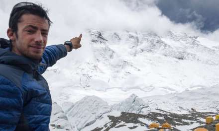 Kilian Jornet retourne sur l'Everest pour y battre le record de l'ascension.