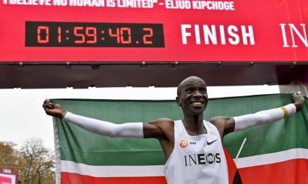 Marathon; Eliud Kipchoge passe sous la barre symbolique des 2 heures.