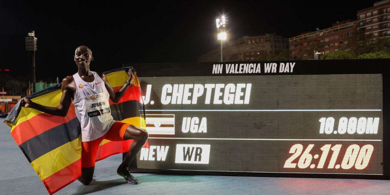 Record du monde 10000m pour Joshua Cheptegei, 26'11″02, il efface donc Bekele des tablettes