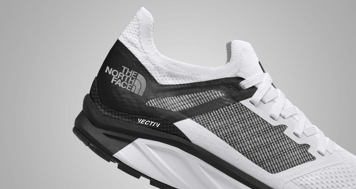 The North Face Vectiv; la marque commercialise les premières chaussures de trail dotées d'une plaque carbone.