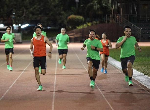 Nike Media Run Crew - Structure 19 (30)