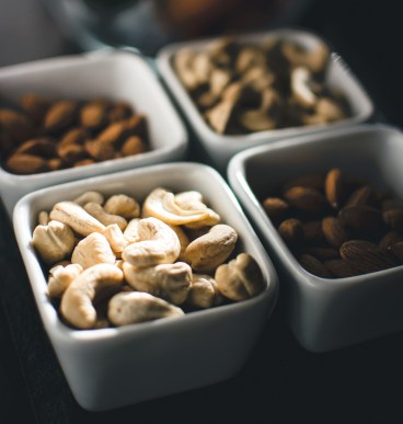 foodiesfeed.com_nuts-with-fruit