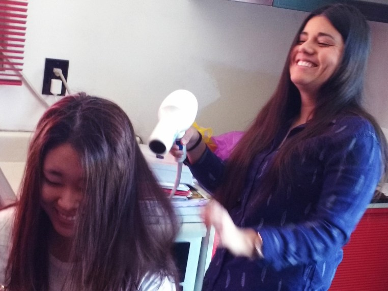 Johanna Acero blow drying