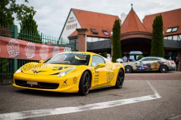 Ferrari 458 canary speed