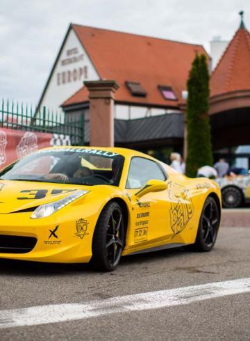 Ferrari 458 canary speed