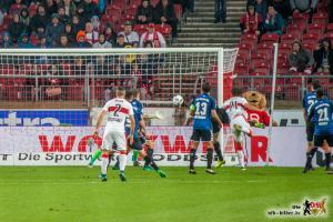 Kopfball ins Glück. Bild: © VfB-Bilder.de