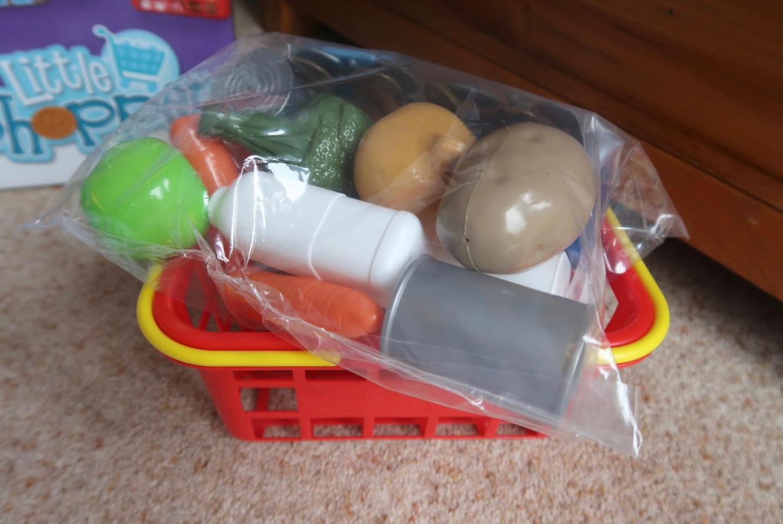 casdon self service supermarket play fruit and veg