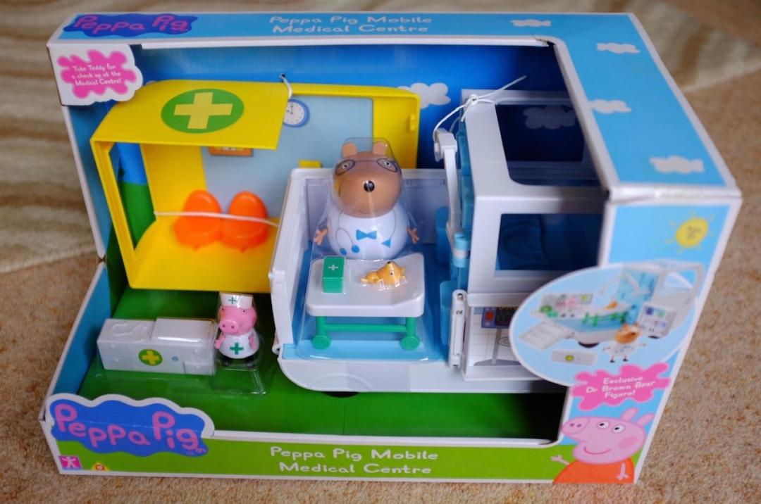 The Peppa Pig Mobile Medical centre in the box front