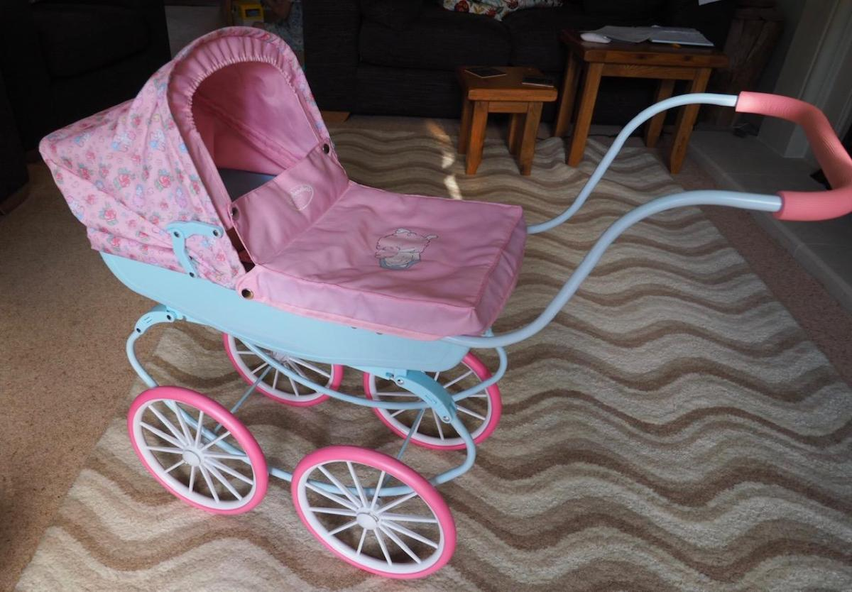 baby Annabell carriage pram set up