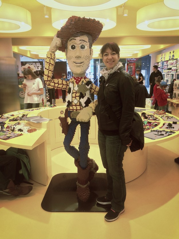 pinky with a woody