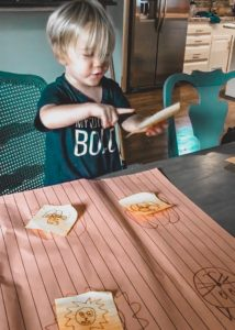 post it note toddler activity