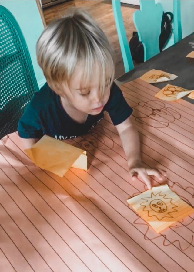 post it note toddler matching