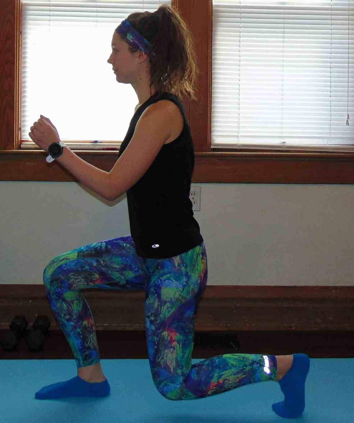 This 20 minute bodyweight leg workout for runners requires no supplies and can be done in your living room. Slim your legs and build muscle for an ideal toning workout. For the ultimate strength gain and leg burn, try these moves!