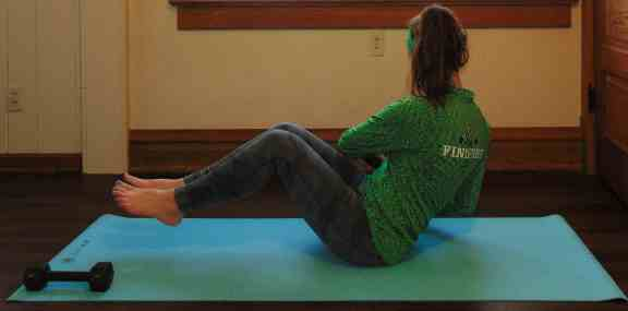 St. Patrick's Day Lucky 7s Full Body Dumbbell Workout: Russian Twists