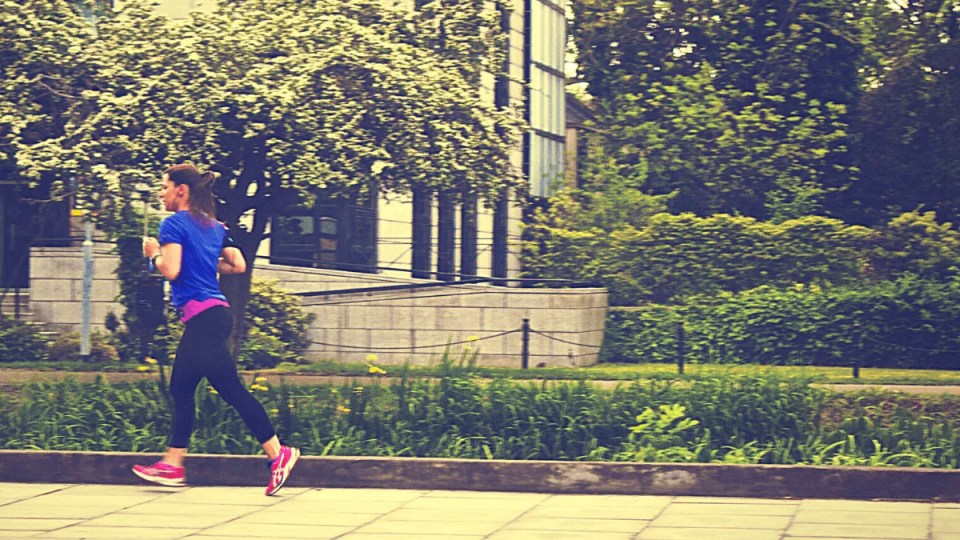 How Many Miles to Run a Week: Your Optimal Running Mileage