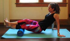 These simple foam roller exercises for runners are an essential part of recovery. Discover the trigger points in your muscles to help speed up recovery in your legs after running. These foam roller stretches are the best for sore muscles, and simple enough for beginners. Banish knee pain, shin splints, It band pain, and more common running injuries with these foam rolling exercises!