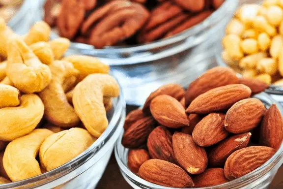 There's no doubt that running burns calories and makes you hungrier throughout the day. The tricky part is finding easy snack ideas that are healthy enough to compliment your hard work. These 10 health snacks for runners are the perfect post workout snacks to refuel with real food. Check out these 10 amazing running snack ideas!