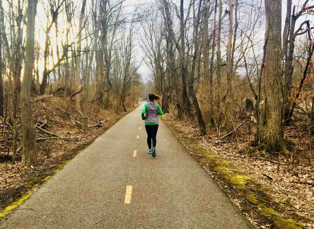 No matter how prepared you may feel, starting to run always brings a few surprises. These 12 things no one tells you about running are a must-know as you begin logging miles. Learn the inside scoop on what to expect as you increase your mileage, develop a running hobby, and increase your fitness. The ultimate source of running tips for new runners! #runningtips #beginnerrunner #startrunning #runninginspiration