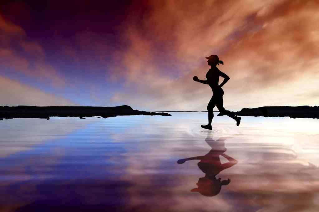 Running in the dark requires a few adjustments from our normal routine. Here are 14 safety tips to keep you safe in the dark, whether you're running at night or early in the morning. Learn how to find the best reflective gear, lights and how to prepare for dark runs. #runninginthedark #nightrunning #morningrunning